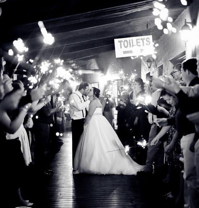 Hendrik en Melissa: 'n Elegante fees in wit en goud